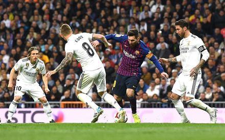 06a06425cc703 Real Madrid x Barcelona - Liga Espanhola 2018 19. Mais galerias e  fotografias