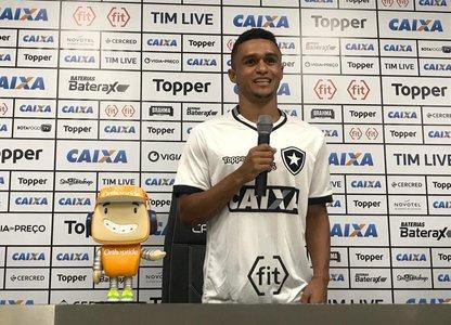 a7e89cf4f8 Botafogo oficializa Erik como reforço    ogol.com.br