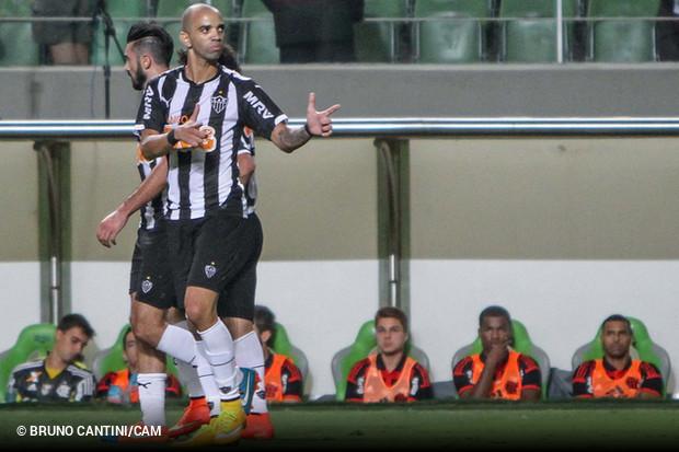 Atletico Mineiro Joga Bem Goleia Flamengo E Sobe Para Quarto Na Tabela Ogol Com Br