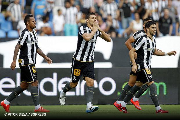 Botafogo mata o jogo em 20 minutos e bate Vitória    ogol.com.br 396dc88362ef0