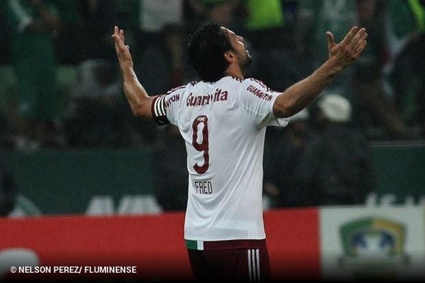 75bd7a4b97 O atacante do Fluminense Fred está fora da Primeira Liga. O jogador pegou  cinco jogos de suspensão