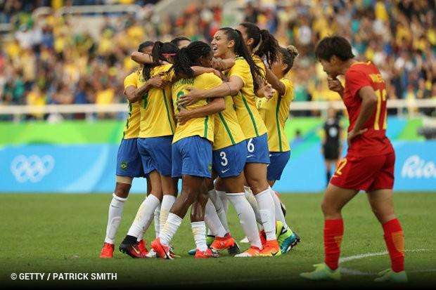 Seleção feminina estreia com goleada sobre a China nos Jogos ... c7b72796e3f8a