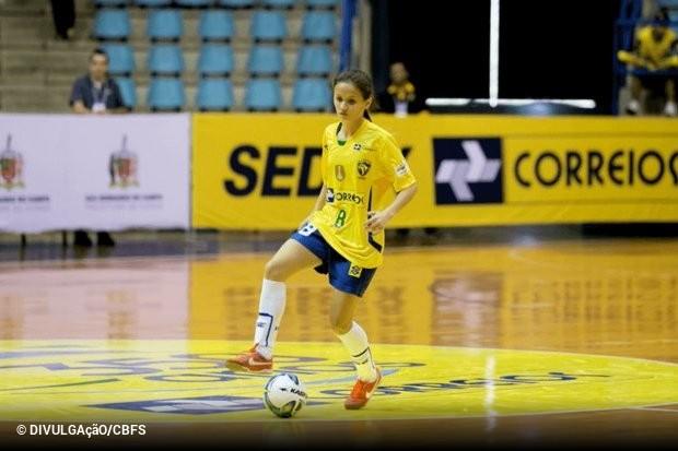 Se o futsal masculino no Brasil ainda vai lutando por uma  profissionalização 3de1112f3b585