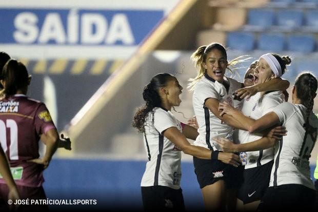 O Corinthians é o último semifinalista do Brasileiro Feminino. Nesta  quinta 55d86e6e27a3c