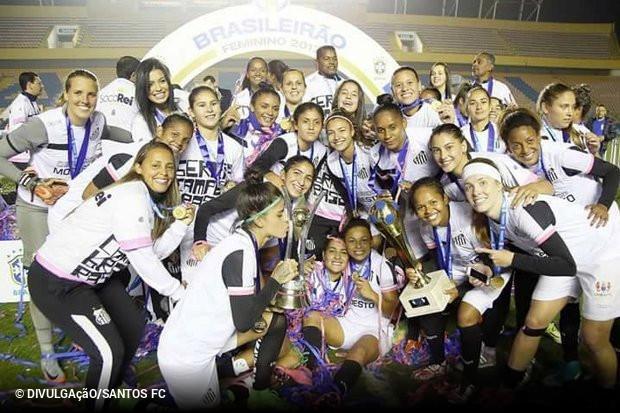 97e9e241d7 O Santos segue consolidando seu projeto de futebol feminino. Com títulos  nacionais e internacionais