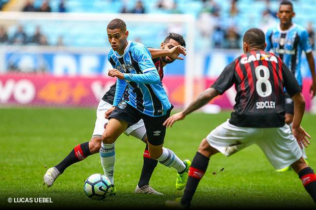 Grêmio não aproveita tropeço do Corinthians e fica no 0 a 0 contra Atlético  Paranaense db25720f09b69