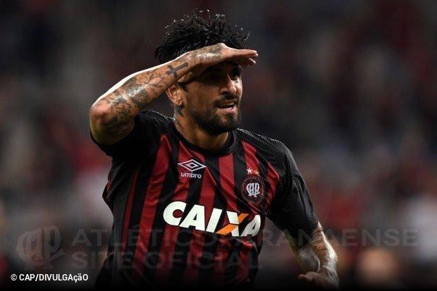 e4c93e7e15 Lucho González deixa o Atlético Paranaense    ogol.com.br