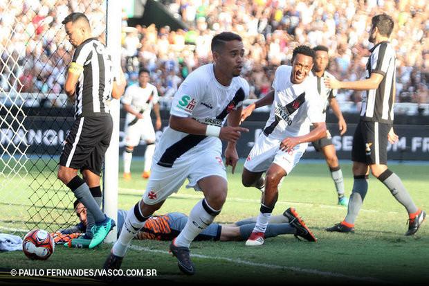 Vasco vence Botafogo no último minuto e leva vantagem para o ... a0a9a816d7043