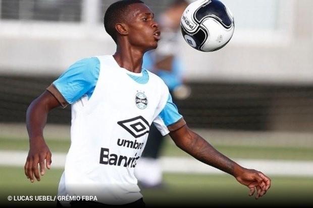 ... Lincoln está de volta ao Grêmio a7c67b1821a53