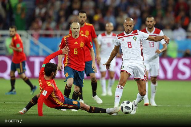 3e6c334324 A Espanha escapou de um vexame nos acréscimos e com ajuda do VAR. Aspas  teve um gol anulado revisado pelo árbitro de vídeo