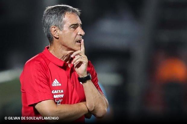 b339fc3f13 Paulo César Carpegiani é o novo técnico do Vitória. O clube confirmou o  acerto com o treinador para o restante da temporada.