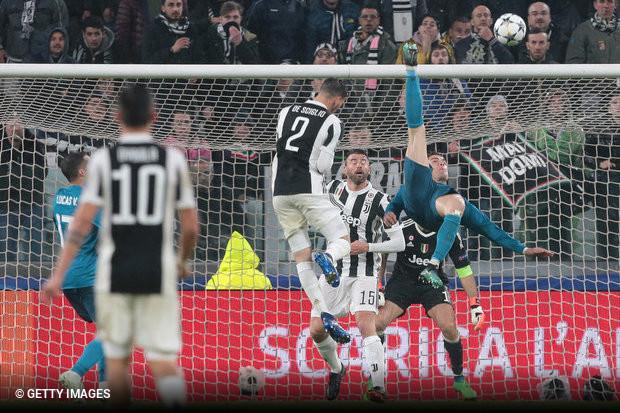 Cristiano Ronaldo encantou o torcedor em Turim ao marcar um golaço de  bicicleta pelo Real Madrid c5ef999effa83