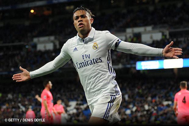 O atacante espanhol Mariano está de volta ao Real Madrid. O clube espanhol  fez valer a preferência sobre o jogador d6f75f2cbd5e4