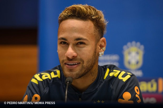 2018 foi mais um ano animado para Neymar. Sem falar em polêmicas fora de  campo e nas cifras milionárias que sempre envolvem o craque 6209d50aeb82c