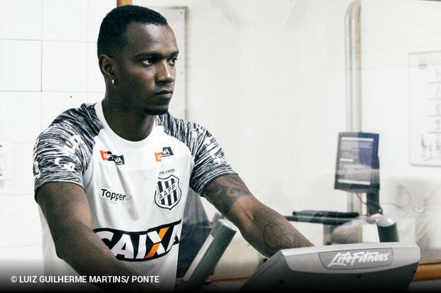 Hyuri parece ter encontrado na Ponte Preta o espaço que faltou no Atlético  Mineiro e no Ceará em 2018. Apesar de se sentir bem na Macaca 8caa58cfe17be