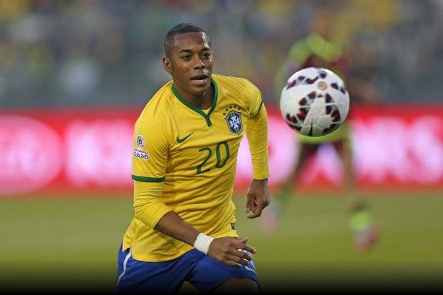 O experiente atacante brasileiro Robinho está mudando de ares na Turquia. O  jogador deixou o Sivasspor para se acertar com o Basaksehir. 0684604060d8e