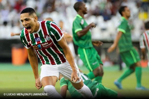 3570512271 O lataral-direito Gilberto permanecerá no Fluminense até o fim de 2019. O  Tricolor Carioca recebeu a documentação da Fiorentina