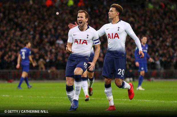 Um gol de pênalti de Harry Kane colocou o Tottenham em vantagem sobre o  Chelsea 38060aafc68cf
