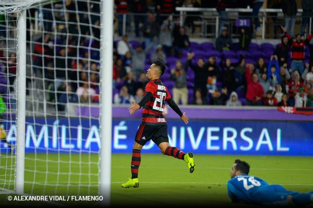 4e57b788f2 Uribe marca dois no tempo normal e Flamengo vence Ajax nos pênaltis ...