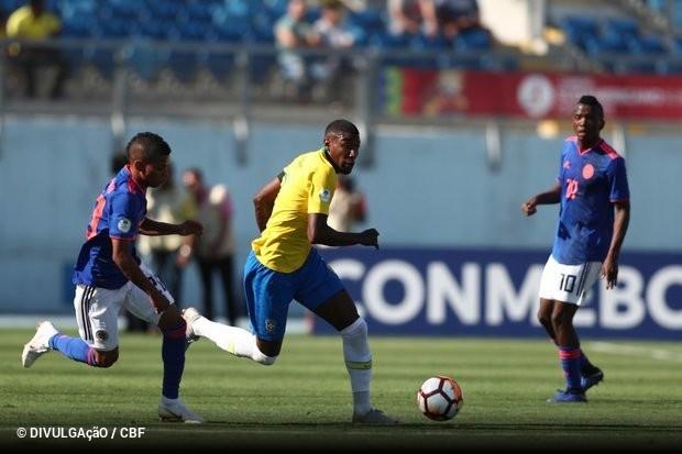 c2bc0219e7 O Brasil continua sem empolgar no Sul-Americano Sub-20. A seleção comandada  por Carlos Amadeu