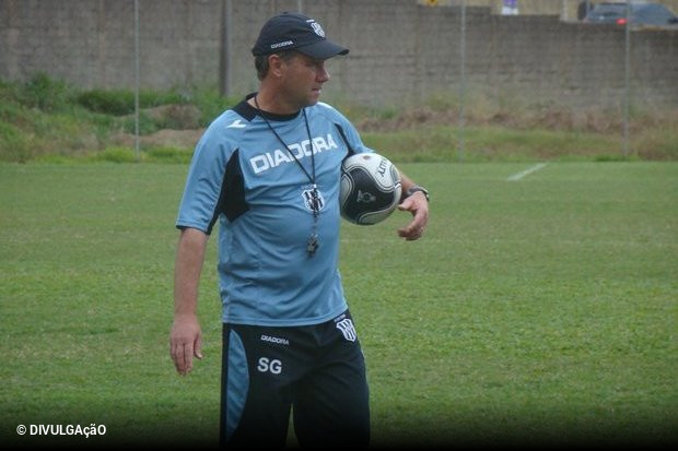 Paulo Bonamigo quer voltar a trabalhar no futebol brasileiro. Fora uma  passagem pelo Fortaleza b4ac1c5e9bded