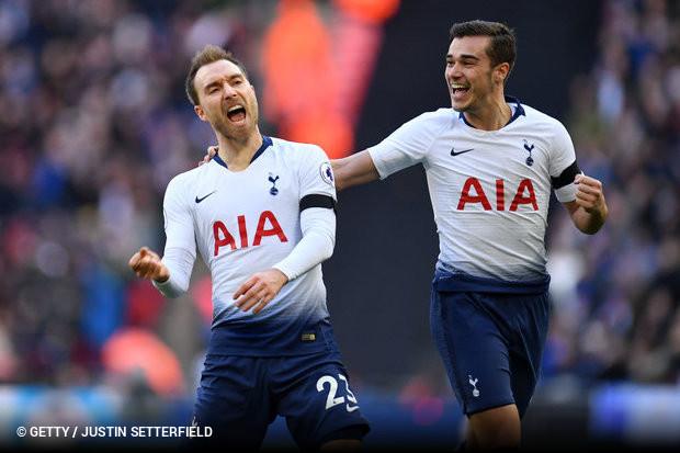 243a525008 O Tottenham corre por fora na luta pelo título da Premier League